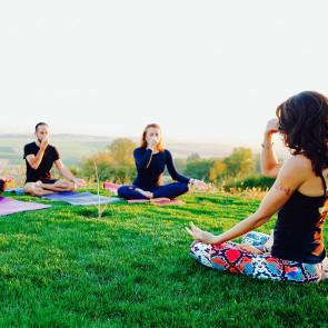 Stage de Yoga et Mantras avec Lola MALLEIN  au Domaine du Taillé du 1 au 3 Décembre 2017