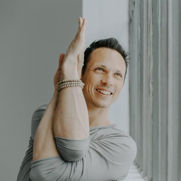 Formation en Thaï Yoga Massage du 13 juillet au 20 juillet au Dojo de la Piaz avec Julien Levy