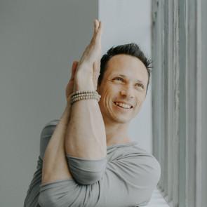 Stage de yoga avec Julien Levy du 27 au 29 mars 2020