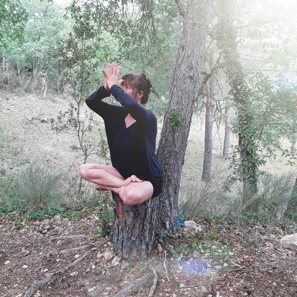 """Stage de yoga """"Mon sommeil, mon automne"""" avec le Dr Beatrice Leclercq Olive du 8 au 10 octobre 2021 au Domaine du Taillé"""